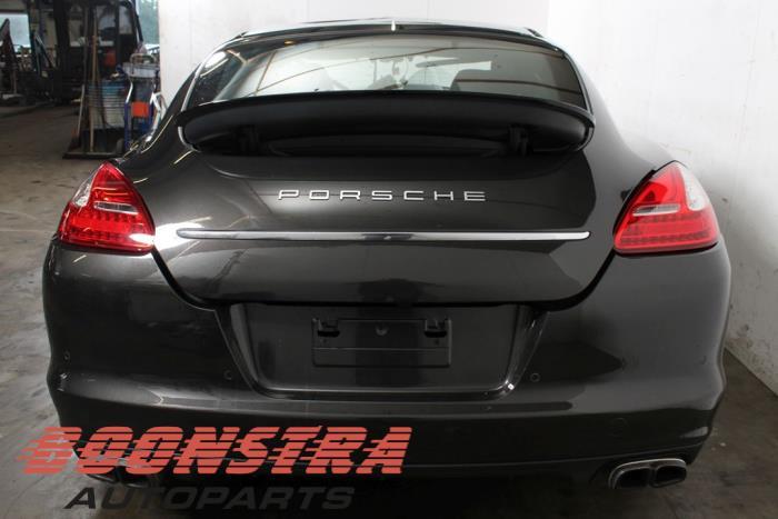 Achterklep van een Porsche Panamera (970) 4.8 V8 32V 4S 2010