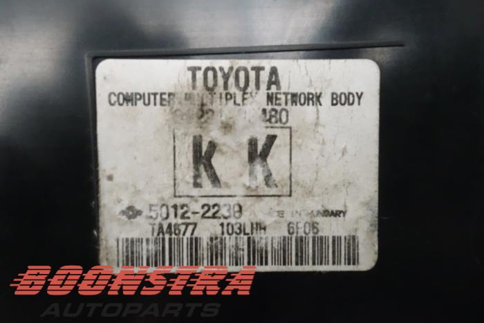 Computer Body Control van een Toyota Auris (E18) 1.8 16V Hybrid 2016