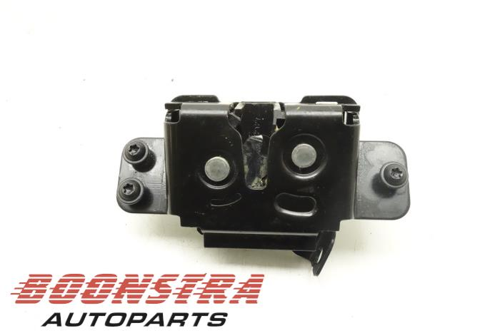 Dodge Caliber Tailgate lock mechanism