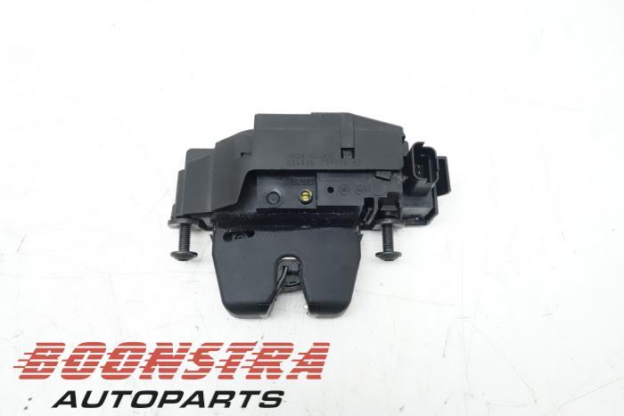 Citroen C4 Cactus Boot lid lock mechanism