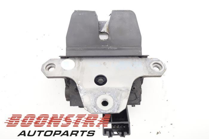 Ford Galaxy Tailgate lock mechanism
