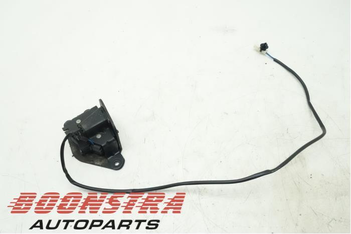 Mini Clubman Tailgate lock mechanism