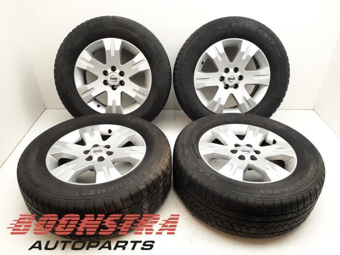 Nissan Pathfinder Felgen Set + Winterreifen