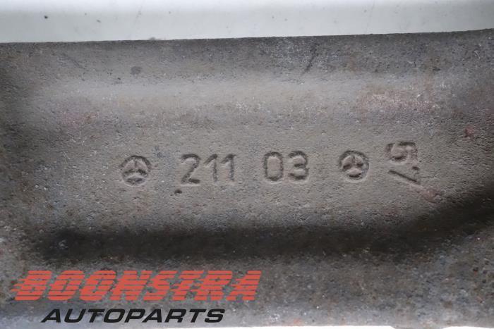 Draagarm links-voor Mercedes E-Klasse (21103, A2113308107)