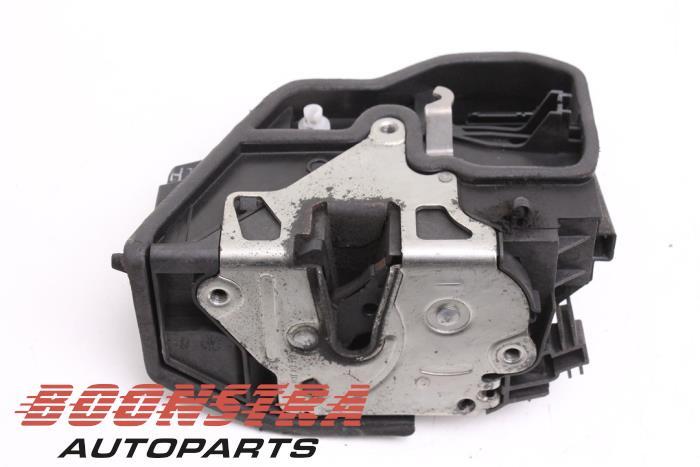 BMW 1-Serie Rear door lock mechanism 4-door, left