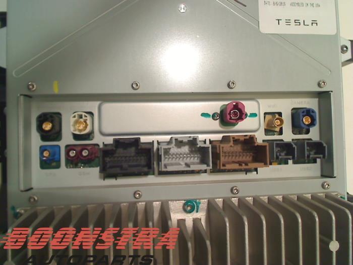 Gebruikte tesla model s display interieur 1004777 l1s for Interieur tesla model s