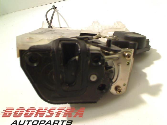 Hyundai Tucson Rear door lock mechanism 4-door, left