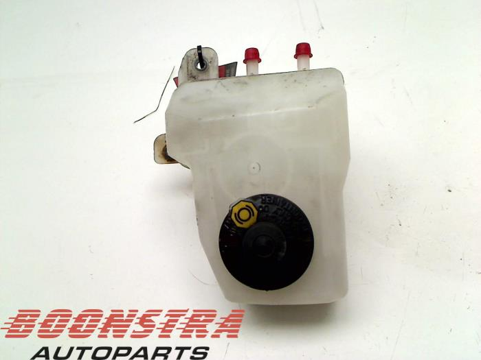 Toyota Prius Brake fluid reservoir