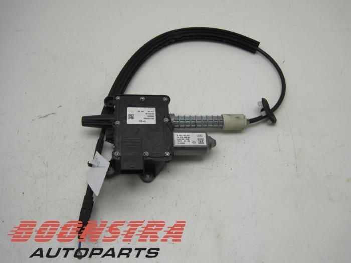 Peugeot 508 Parking brake mechanism