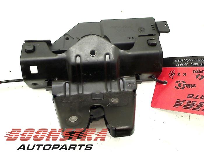 BMW 1-Serie Tailgate lock mechanism