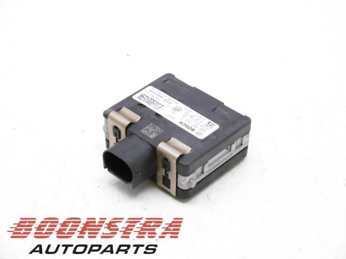 Volkswagen Golf ACC Sensor (afstand)