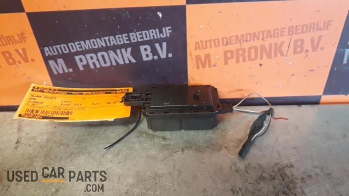Alarm relais - BMW 1-Serie - O32542