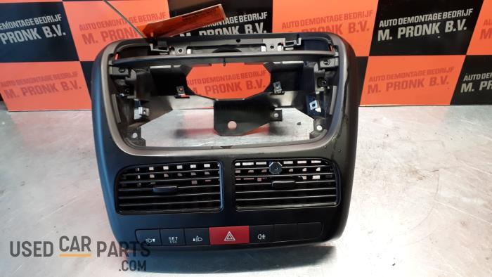 Paniekverlichtings Schakelaar - Fiat Doblo - O32412