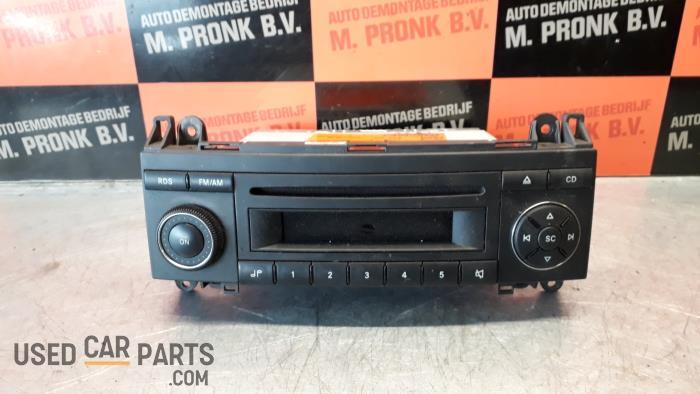 Radio CD Speler - Mercedes B-Klasse - O33884