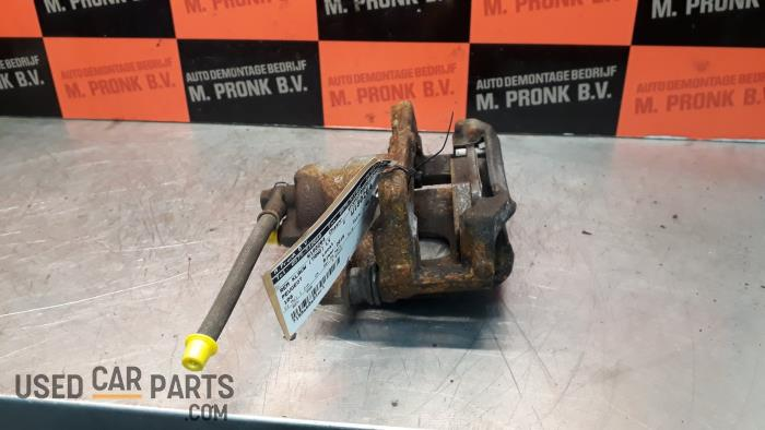 Remklauw (Tang) links-voor - Peugeot 108 - O38025