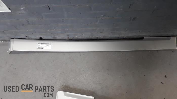 Afdekkap dakrail - Mercedes Viano - O26810