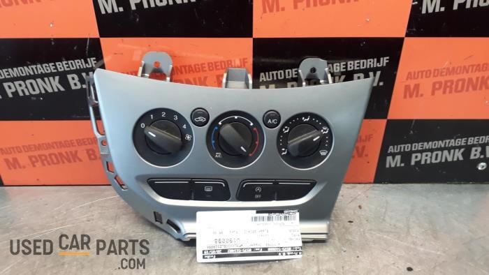Kachel Bedieningspaneel - Ford Focus - O31603
