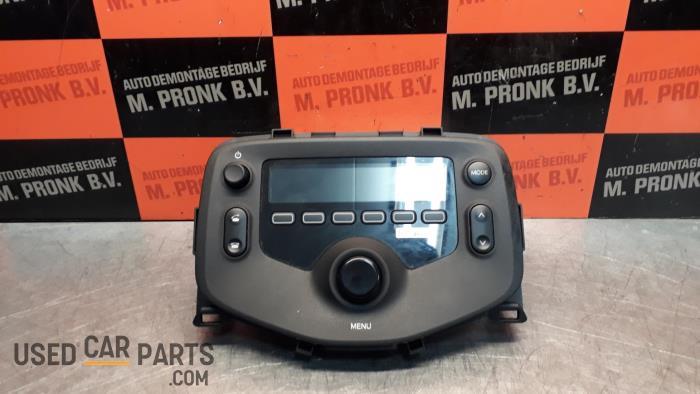 Radio CD Speler - Peugeot 108 - O33925