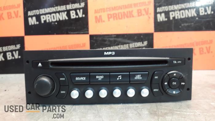 Radio CD Speler - Peugeot 207 - O33937