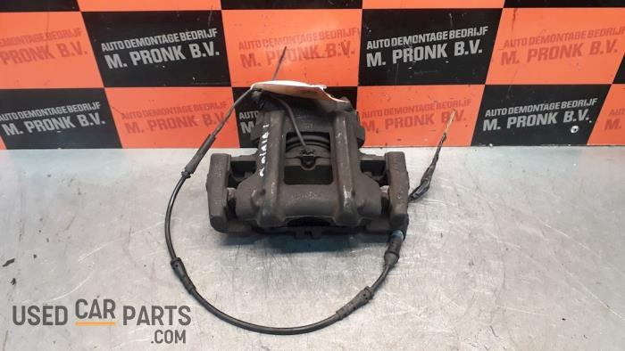 Remklauw (Tang) links-voor - BMW 1-Serie - O51257