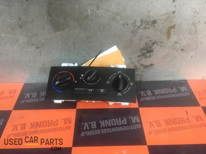 Kachel Bedieningspaneel - Peugeot Partner - O52283