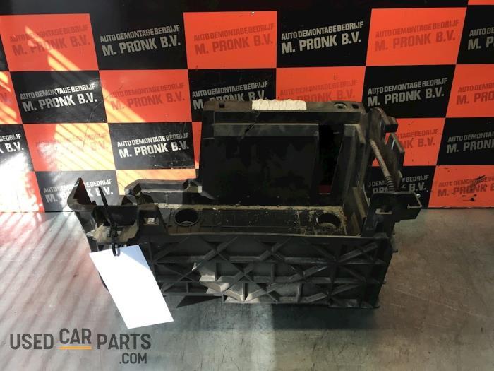 Accubak - Renault Laguna - O62496