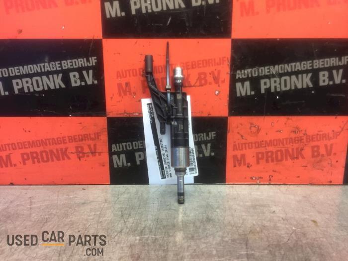Injector (benzine injectie) - BMW 1-Serie - O62990