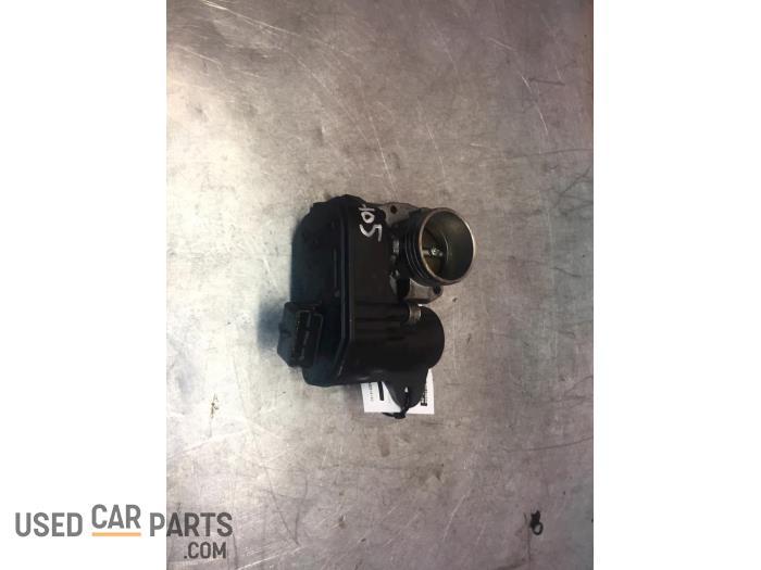 Gasklephuis - Citroen C4 Cactus - O63066