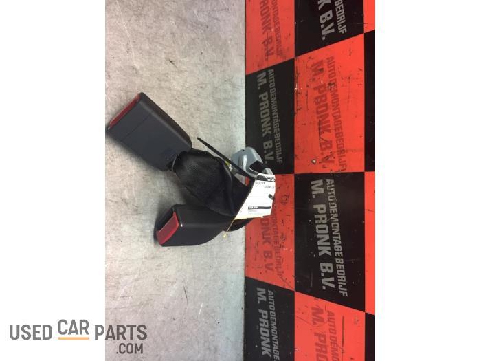 Veiligheidsgordel Insteek midden-achter - Mazda 3. - O63858