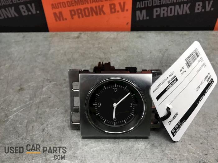 Uurwerk - Volkswagen Passat - O65525
