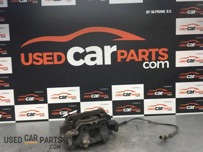 Remklauw (Tang) links-voor - BMW 1-Serie - O68205