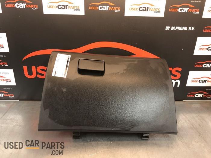 Dashboardkastje - Mazda 6. - O78742