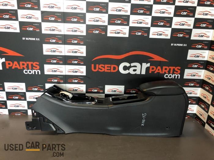 Middenconsoles - Nissan Pulsar - O81619