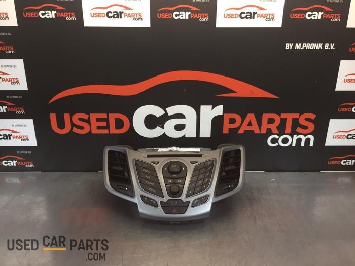 Radiobedienings paneel - Ford Fiesta - O82009