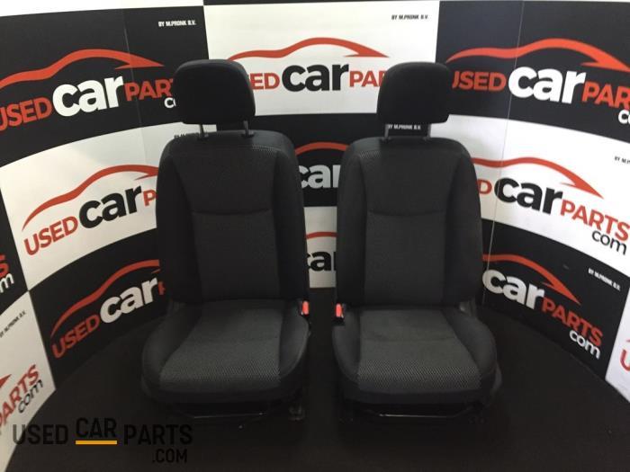 Bekleding Set (compleet) - Nissan Pulsar - O82595