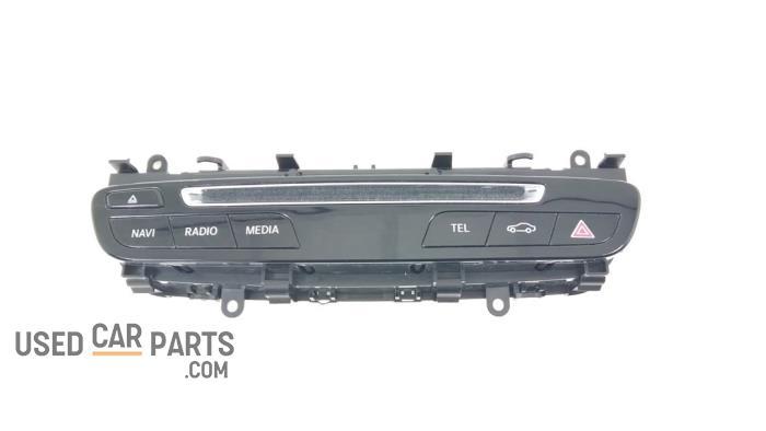 Radiobedienings paneel - Mercedes C-Klasse - O93088