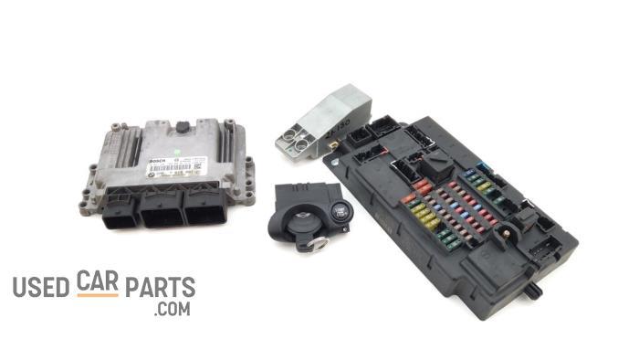 Kontaktslot + computer - Mini Mini - O94987