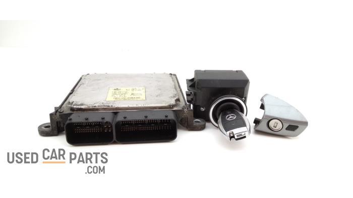 Kontaktslot + computer - Mercedes C-Klasse - O95934