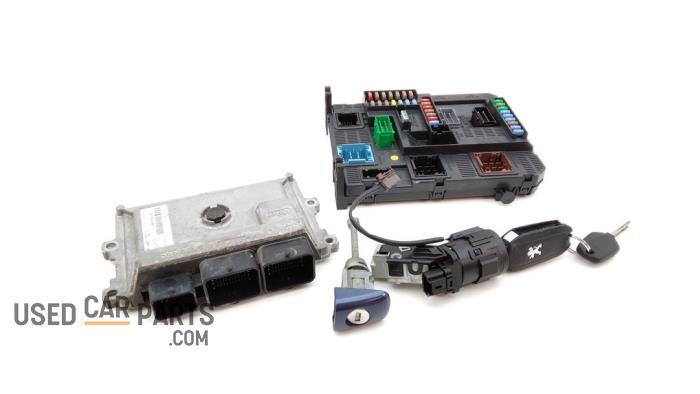 Kontaktslot + computer - Peugeot 208 - O96145