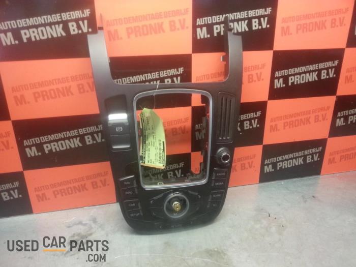 Navigatie bedienings paneel - Audi A4 - O34076