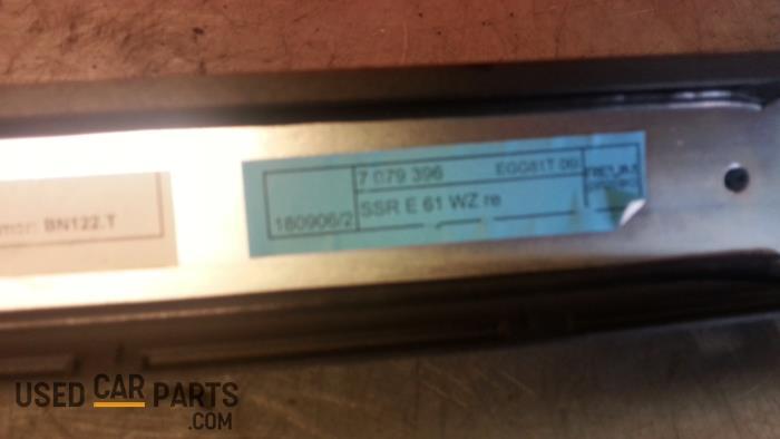 Rolgordijn rechts - BMW 5-Serie - O25717