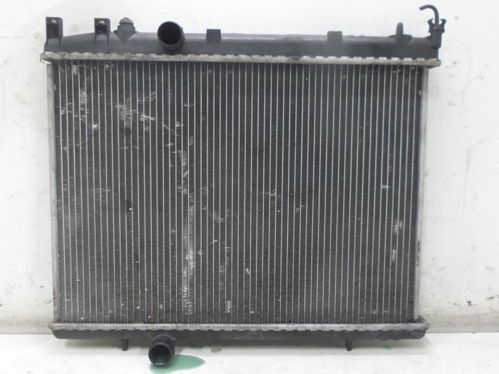 gebruikte peugeot 206 cc 2d 1 6 hdi 16v fap radiateur 1330n2 bongers auto onderdelen. Black Bedroom Furniture Sets. Home Design Ideas
