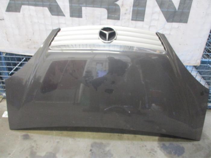 Motorkap van een Mercedes A (W168) 1.4 A-140 2001