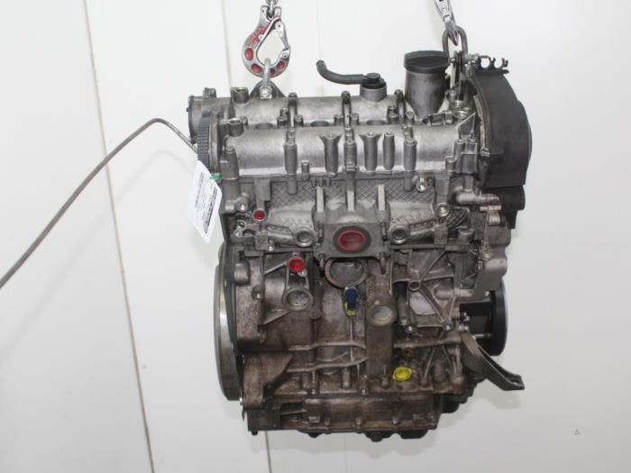 Motor Volkswagen Golf  CUK,CUKCUKB 4