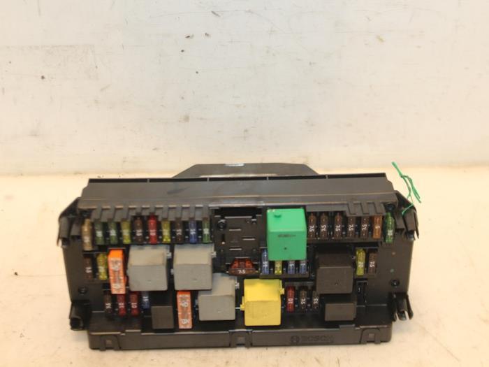Fuse box Mercedes - Van Gils Automotive