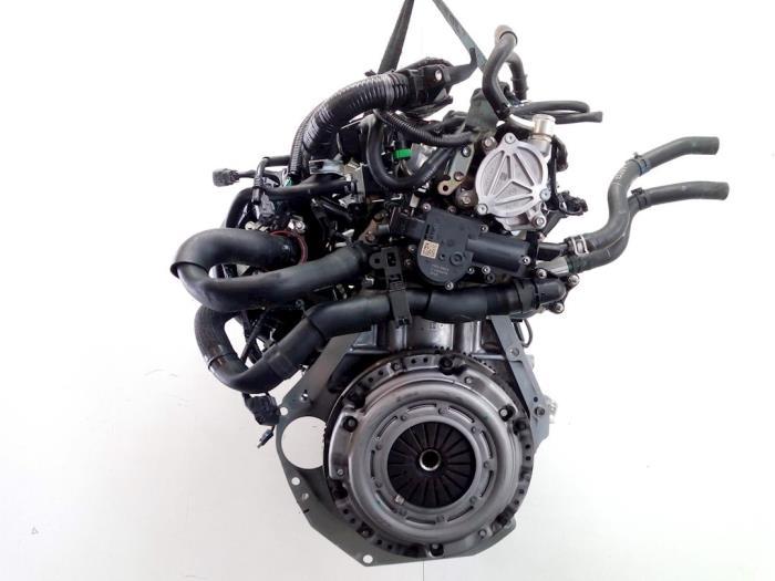 Motor Mazda 2. P540491397, P54G10210A, PE2718G00, PYFA1516ZA, P54G10382 P5,P540491397 1