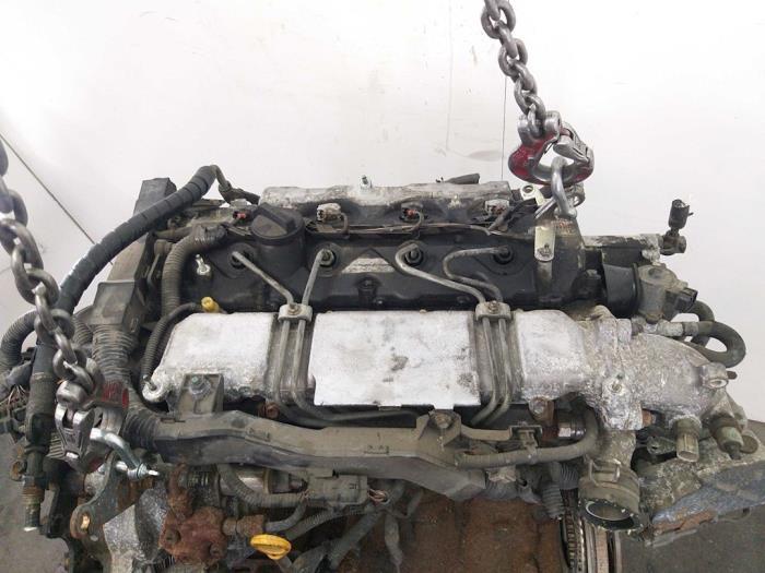Motor Toyota Avensis  6