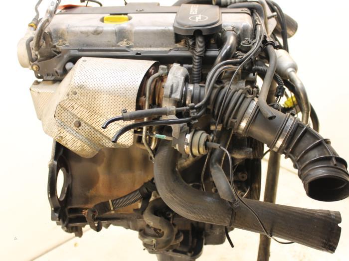 Motor Opel Omega  X20DTH 6