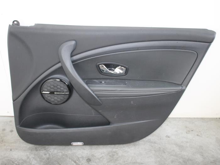 Gebruikte renault megane iii grandtour kz 1 5 dci 110 for Auto onderdelen interieur