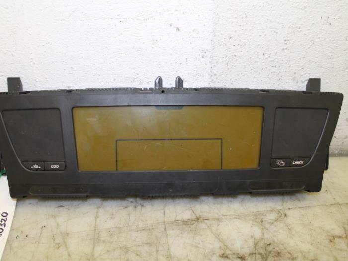 Display interieur citroen picasso van gils automotive for Interieur picasso 2000
